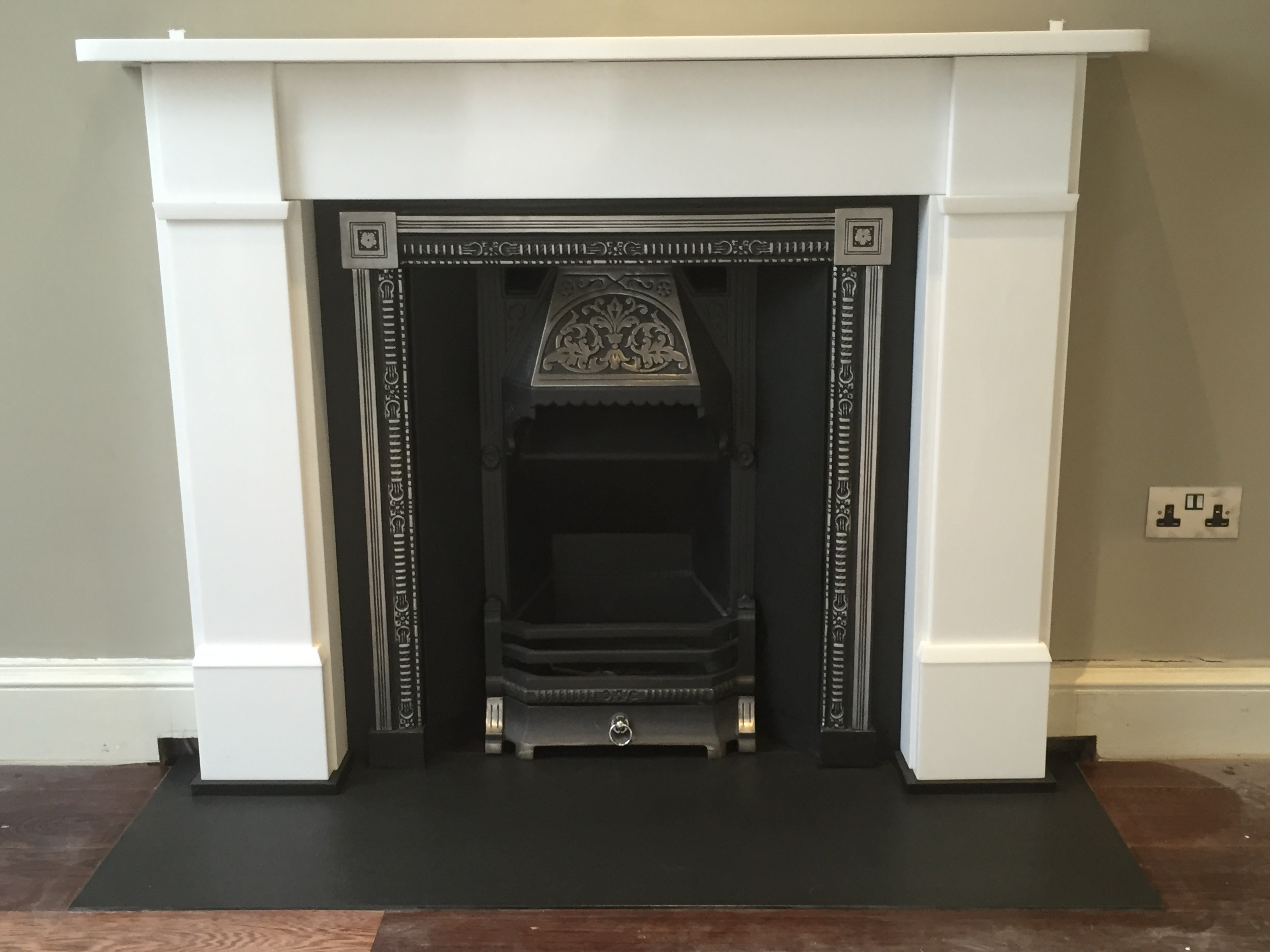 Traditonal Fire & Limestone Surround